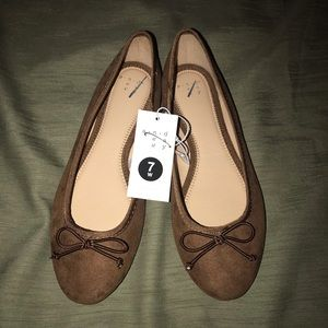 Shoes - Brown Suede Flats size 7W